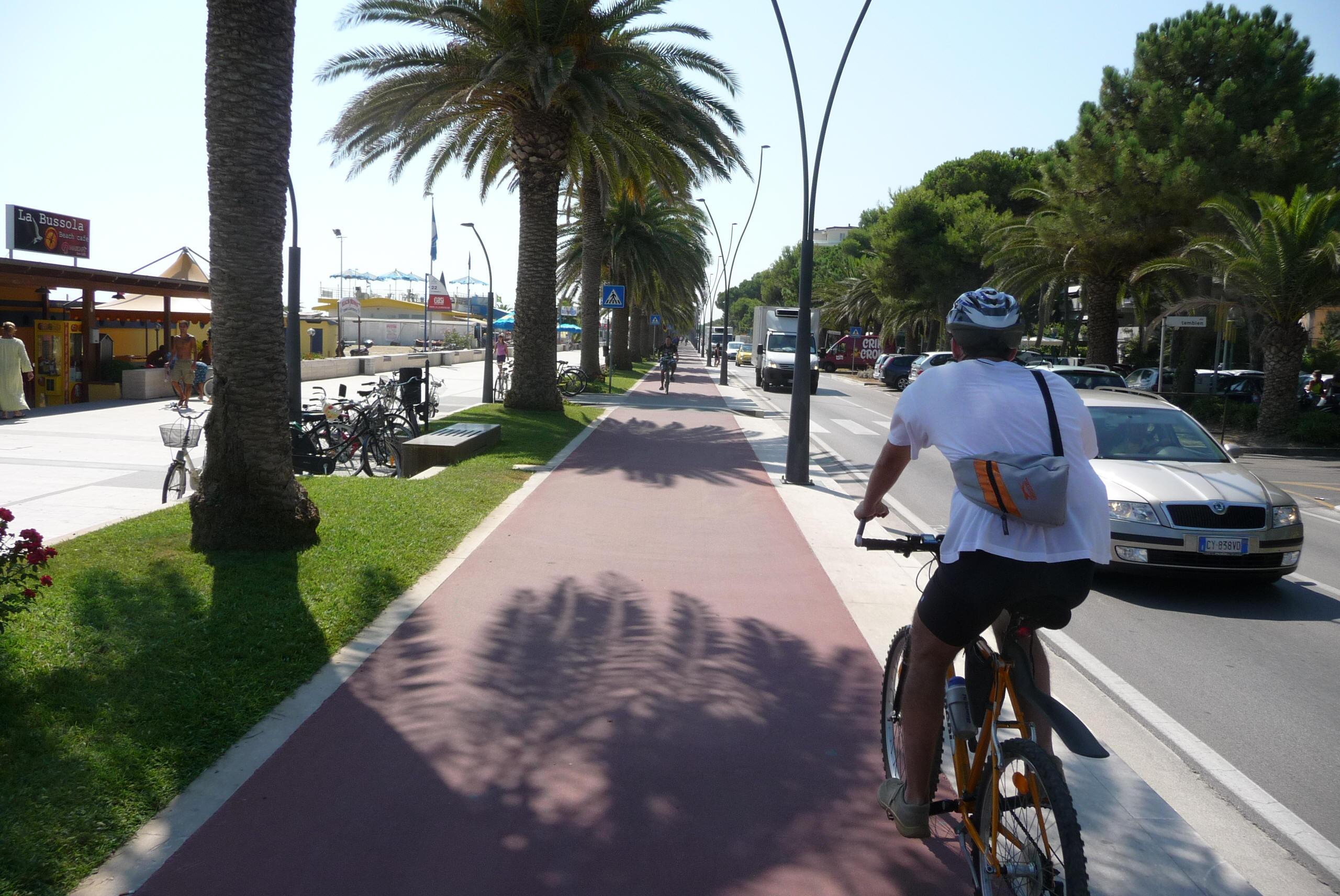 Corridoio verde adriatico pista ciclabile a roseto for Lungomare elevato